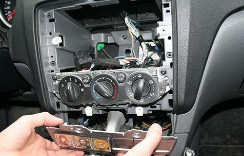 Самостоятельная установка магнитолы в Форд Фокус ford-master.ru