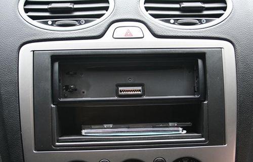Как снять аккумулятор с форд фокус 2
