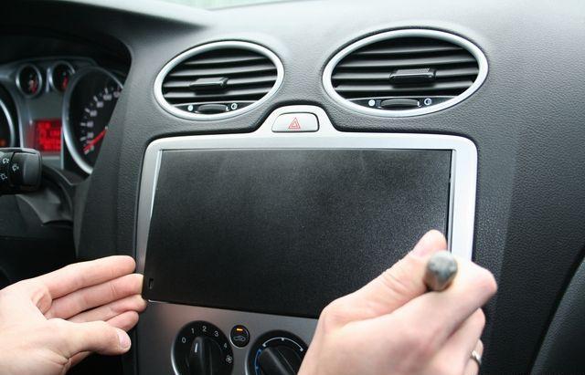 Самостоятельная установка магнитолы в Форд Фокус