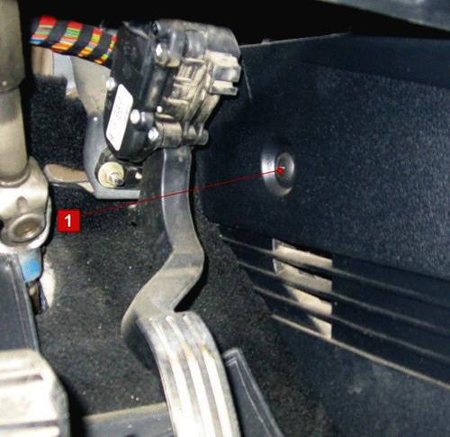 Как заменить салонный фильтр Форд Фиеста своими руками