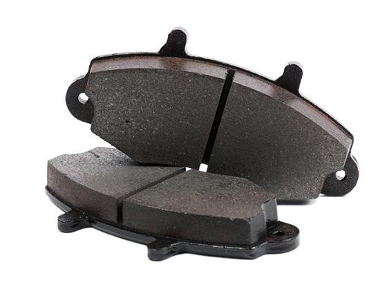 Замена передних тормозных колодок Форд Фиеста своими руками