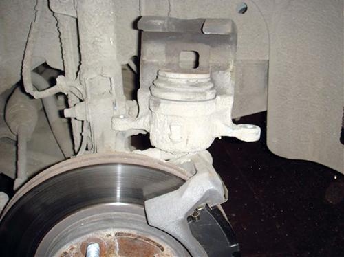Замена задних тормозных колодок мондео 4 своими руками