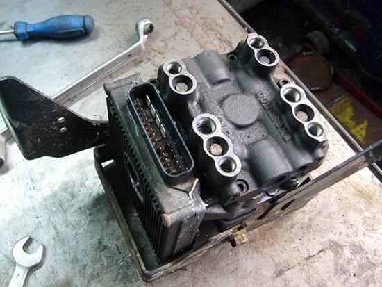 Чиним блок ABS Мекатроник 3 на Форд Мондео своими руками