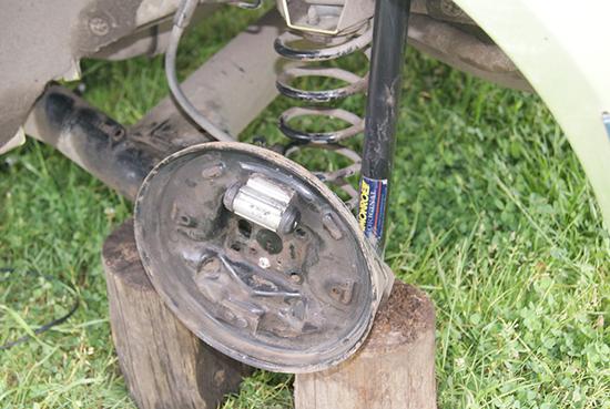 Самостоятельная замена тросика ручника Ford Fiesta своими руками