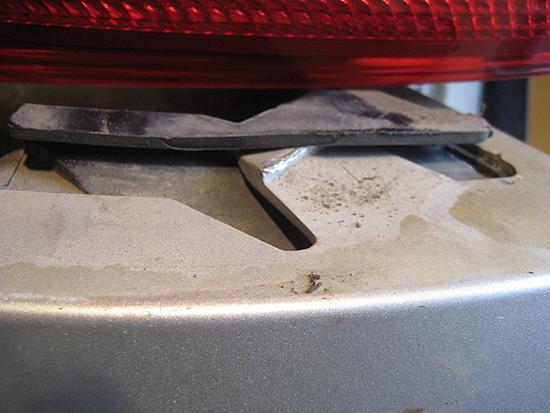 Демонтаж заднего бампера Форд Фокус своими силами