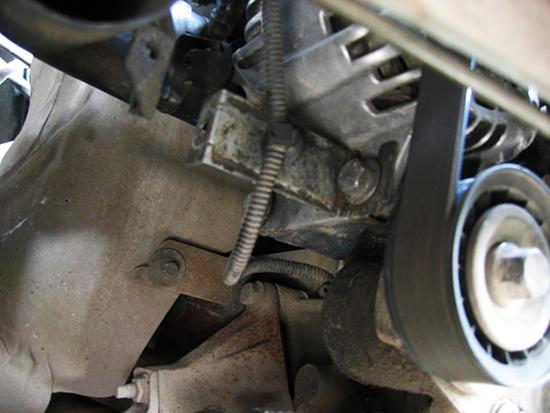 Как снять генератор на Форд Мондео 3?