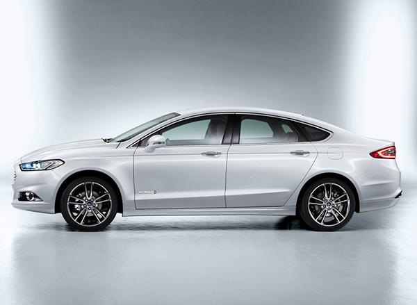 Новый Ford Mondeo (седан) фото