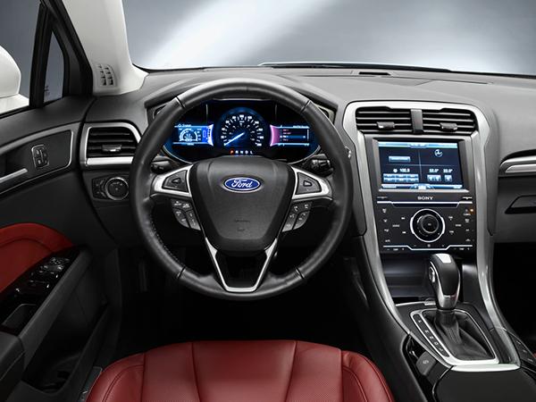 Салон нового Форд Мондео фото