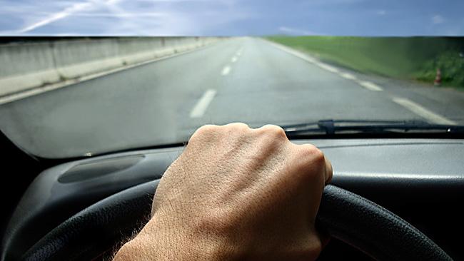 Почему дергается машина на ходу? Причины рывков авто во время движения