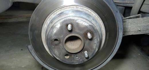 Замена шпилек ступицы на Форд Мондео в домашних условиях