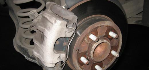 Замена задних тормозных колодок на Форд Фокус 2 своими руками