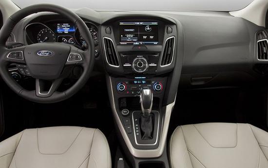 Салон нового Ford Focus фото
