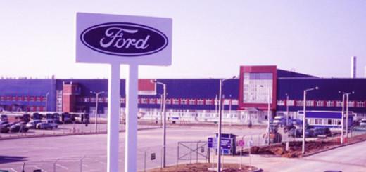Ford приостановил производство своих автомобилей в России