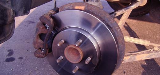 Ремонт заднего тормозного суппорта на Ford Mondeo III своими руками